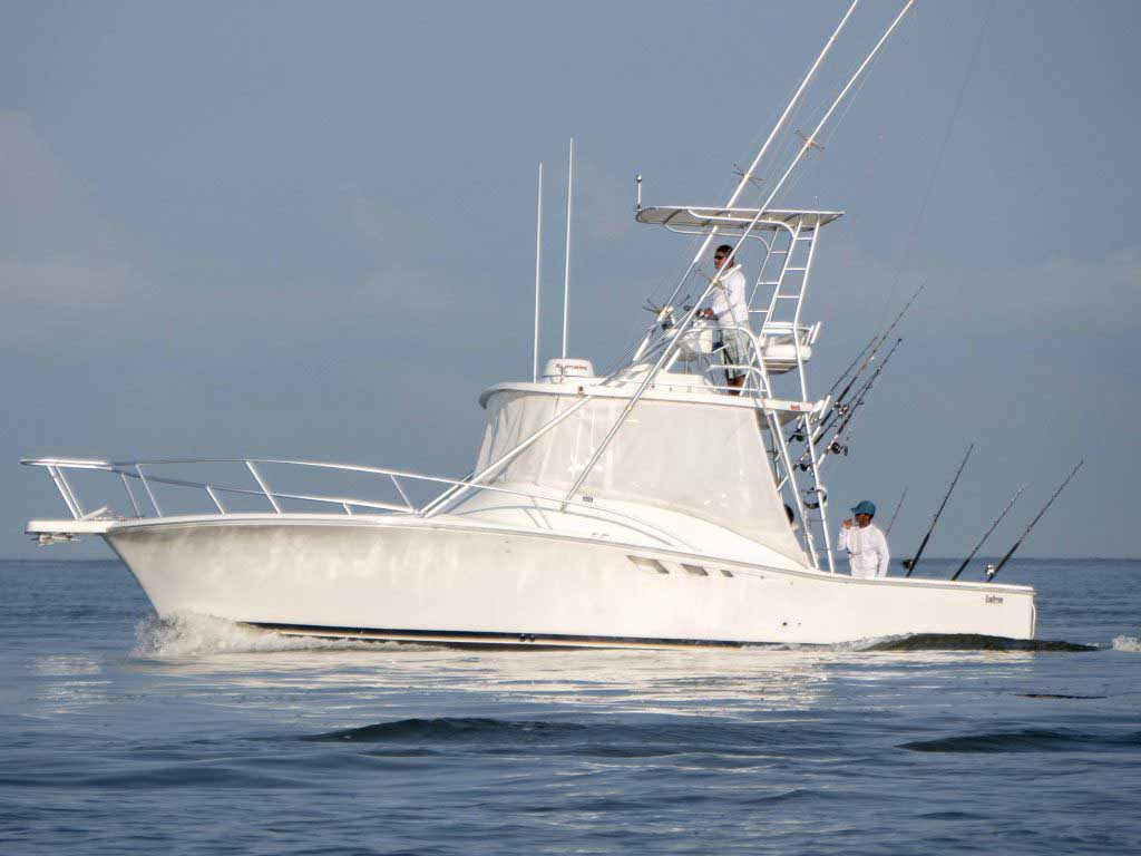 Puerto vallarta fishing charters belugas fishing are us for Fishing puerto vallarta